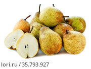 Group of pears in front of white background. Стоковое фото, фотограф Zoonar.com/Emmanuelle BONZAMI / age Fotostock / Фотобанк Лори