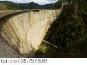 Vidraru Dam is technological landmark. Стоковое фото, фотограф Яков Филимонов / Фотобанк Лори