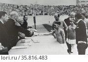 Uitreiking der medailles door Z.K.H. Prins Hendrik. Редакционное фото, агентство World History Archive / Фотобанк Лори