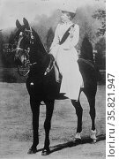 Photograph of Augusta Victoria of Schleswig- Holstein on a horse 1912. Редакционное фото, агентство World History Archive / Фотобанк Лори