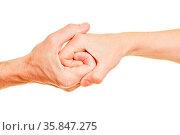 Senioren halten Hände als Spirale als Verbindung und Netzwerk Konzept. Стоковое фото, фотограф Zoonar.com/Robert Kneschke / age Fotostock / Фотобанк Лори