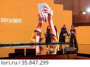 Die Schweizer Rapperin und Beatboxerin Steff la Cheffe, Stefanie ... Стоковое фото, фотограф Zoonar.com/Oliver Gutfleisch / age Fotostock / Фотобанк Лори