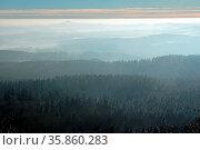 Nebelschleier über der Eifel. Стоковое фото, фотограф Zoonar.com/Kay Augustin / easy Fotostock / Фотобанк Лори