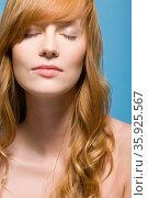 Woman with eyes closed. Стоковое фото, фотограф Shannon Fagan / Ingram Publishing / Фотобанк Лори