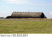 Exterior of disused hanger Upper Heyford hanger. Редакционное фото, агентство World History Archive / Фотобанк Лори