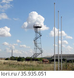 Disused watch tower at the RAF Upper Heyford Base. Редакционное фото, агентство World History Archive / Фотобанк Лори