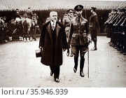 Photograph of President Raymond Poincare and Prince Albert coming out of the Guildhall (2016 год). Редакционное фото, агентство World History Archive / Фотобанк Лори