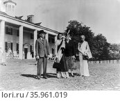 Jawaharlal Nehru Prime Minister of India with his daughter Indira Gandhi and his sister at Mount Vernon, in USA 1949. Редакционное фото, агентство World History Archive / Фотобанк Лори