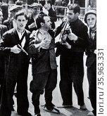 Anti-fascist militias defend Madrid. Редакционное фото, агентство World History Archive / Фотобанк Лори