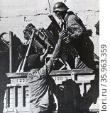Soldiers of the Durruti Column. Редакционное фото, агентство World History Archive / Фотобанк Лори