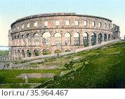 Pula, the Roman arena, Istria, Austro-Hungary in 1900. Редакционное фото, агентство World History Archive / Фотобанк Лори