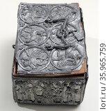 13th Century alloy, lead and tin warrior box. Редакционное фото, агентство World History Archive / Фотобанк Лори