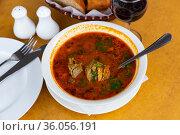 Georgian traditional soup kharcho. Стоковое фото, фотограф Яков Филимонов / Фотобанк Лори