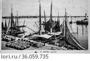 Royant, the port, postcard 1900. (2009 год). Редакционное фото, фотограф Louis Bertrand / age Fotostock / Фотобанк Лори