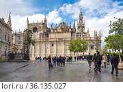 View of the Cathedral of Seville (2019 год). Редакционное фото, фотограф Юлия Белоусова / Фотобанк Лори