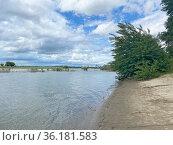 Река Кубань, Краснодар. Стоковое фото, фотограф Мария Кылосова / Фотобанк Лори