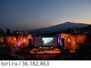 67th Taormina Film Festival, il Teatro Antico (Ancient Theater) ,... Редакционное фото, фотограф Maria Laura Antonelli / AGF/Maria Laura Antonelli / age Fotostock / Фотобанк Лори