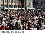 Pride 2021 in Piazza Dante Alighieri in Naples where thousands of... Редакционное фото, фотограф Fabio Sasso / AGF/Fabio Sasso / AGF / age Fotostock / Фотобанк Лори