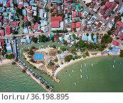 Aerial view fishing village at Teluk Bahang. Стоковое фото, фотограф Yew Tiam Seong / easy Fotostock / Фотобанк Лори