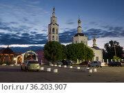 У старинного Богоявленского собора  июльской ночью. Орел, Россия. Редакционное фото, фотограф Виктор Карасев / Фотобанк Лори