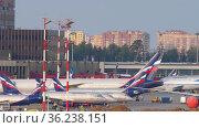 Sheremetyevo International Airport. Редакционное видео, видеограф Игорь Жоров / Фотобанк Лори