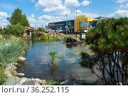 Город Омск, торговый центр  «ИКЕА Омск» Редакционное фото, фотограф Виктор Топорков / Фотобанк Лори