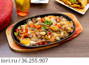 Alambre de ternera - dish of Mexican cuisine. Стоковое фото, фотограф Яков Филимонов / Фотобанк Лори