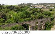 Aqueduct de Sant Pere de Riudebitlles. Sant Pere de Riudebitlles, Barcelona. Spain. Стоковое видео, видеограф Татьяна Яцевич / Фотобанк Лори