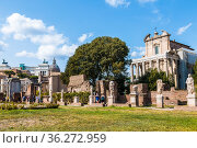 The Roman Forum with the temple of Antoninus and Faustina in the foreground. Rome. Italy (2017 год). Стоковое фото, фотограф Наталья Волкова / Фотобанк Лори