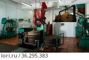 Equipments for spreading milled olives on fiber disks to press. Стоковое фото, фотограф Яков Филимонов / Фотобанк Лори