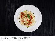 Pasta with red caviar. Стоковое фото, фотограф Jan Jack Russo Media / Фотобанк Лори