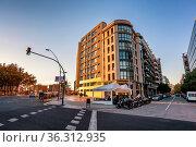 BARCELONA, SPAIN - NOVEMBER 15, 2014: Avinguda del Parallel in Barcelona... Стоковое фото, фотограф Zoonar.com/Andrey Omelyanchuk / age Fotostock / Фотобанк Лори