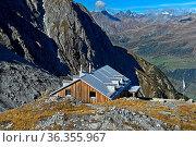 Lischana Hütte vom Schweizer Alpen-Club SAC bei Scuol, Engadin, Graubünden... Стоковое фото, фотограф Zoonar.com/Pant / easy Fotostock / Фотобанк Лори
