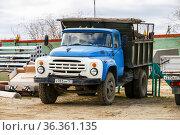 ZiL MMZ 4502. Редакционное фото, фотограф Art Konovalov / Фотобанк Лори