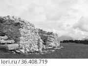 Castelletto Madruzziano - alte idyllisch gelegene Hüttenruine auf... Стоковое фото, фотограф Zoonar.com/Hans Eder / easy Fotostock / Фотобанк Лори