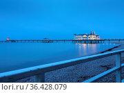 Seebrücke in Sellin, Rügen, im Winter, Langzeitbelichtung. Стоковое фото, фотограф Zoonar.com/Harald Biebel / easy Fotostock / Фотобанк Лори