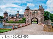 Castle de Haar Utrecht, view of De Haar Castle in Dutch Kasteel de... Стоковое фото, фотограф Zoonar.com/Fokke Baarssen / easy Fotostock / Фотобанк Лори