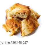 Traditional georgian bread shotis puri served for dinner. Стоковое фото, фотограф Яков Филимонов / Фотобанк Лори