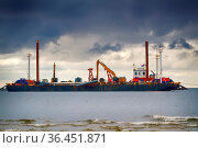 Construction of offshore section of gas pipeline on bottom of Baltic... Стоковое фото, фотограф Zoonar.com/Maximilian Buzun / easy Fotostock / Фотобанк Лори