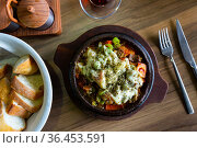 Delicious traditional dish cooked in a pot, which is called Saute in Turkish. Стоковое фото, фотограф Яков Филимонов / Фотобанк Лори