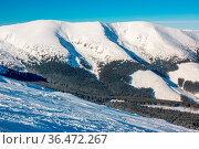 Slovakia. Low Tatras. Freeride ski slope and snowy winter peaks in... Стоковое фото, фотограф Zoonar.com/Mikhail Pavlov / easy Fotostock / Фотобанк Лори