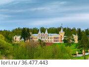 Building of the former estate of Kiritsa, Russia. Стоковое фото, фотограф Zoonar.com/Boris Breytman / easy Fotostock / Фотобанк Лори