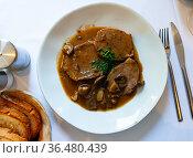 Veal stewed with mushrooms. Стоковое фото, фотограф Яков Филимонов / Фотобанк Лори