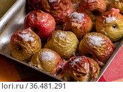 The Oven baked apples with a sugar. Стоковое фото, фотограф Володина Ольга / Фотобанк Лори