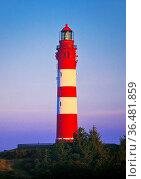 Leuchtturm bei Sonnenaufgang, Insel Amrum, Nordfriesland, Schleswig... Стоковое фото, фотограф Zoonar.com/Stefan Ziese / age Fotostock / Фотобанк Лори