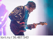 PORTSMOUTH, ENGLAND: Royal Blood perform on stage during day 3 of... Редакционное фото, фотограф Neil Lupin / WENN / age Fotostock / Фотобанк Лори