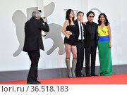 Director Michel Franco, Tim Roth, Charlotte Gainsbourg, Iazua Larios... Редакционное фото, фотограф Antonelli / AGF/Maria Laura Antonelli / age Fotostock / Фотобанк Лори