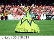 Show und Unterhaltung mit dem Europapark bei der Saisoneröffnung ... Стоковое фото, фотограф Zoonar.com/Joachim Hahne / age Fotostock / Фотобанк Лори
