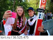 Und schnell noch ein Selfi zur Erinnerung - Qualifikation FIS Sommer... Стоковое фото, фотограф Zoonar.com/Joachim Hahne / age Fotostock / Фотобанк Лори