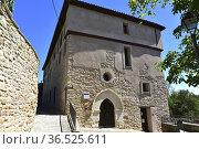 Benabarre or Benavarri, Palacio Quer. (14th century) Ribagorza, Huesca... Стоковое фото, фотограф J M Barres / age Fotostock / Фотобанк Лори